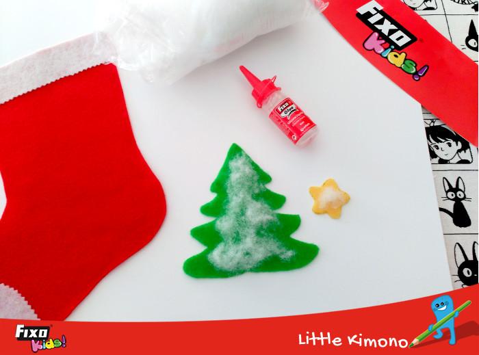 dar volumen a un árbol de navidad con algodón