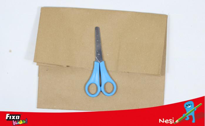 bolsa de papel para decorar regalo navideño