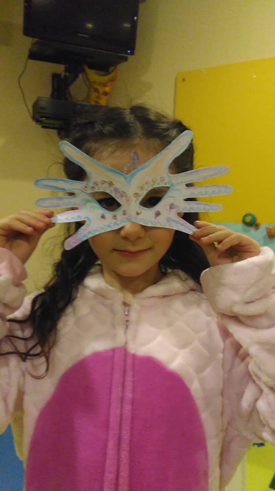 participante concurso máscaras fixo kids