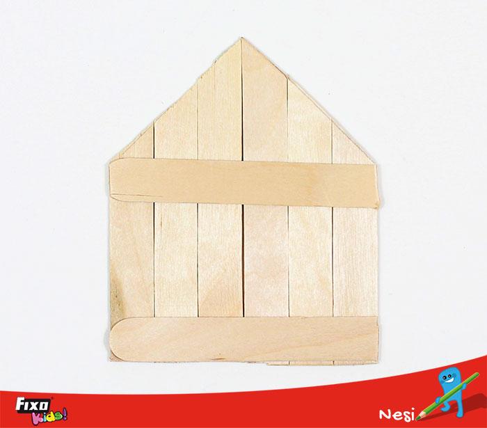 fachada casa infantil palos madera