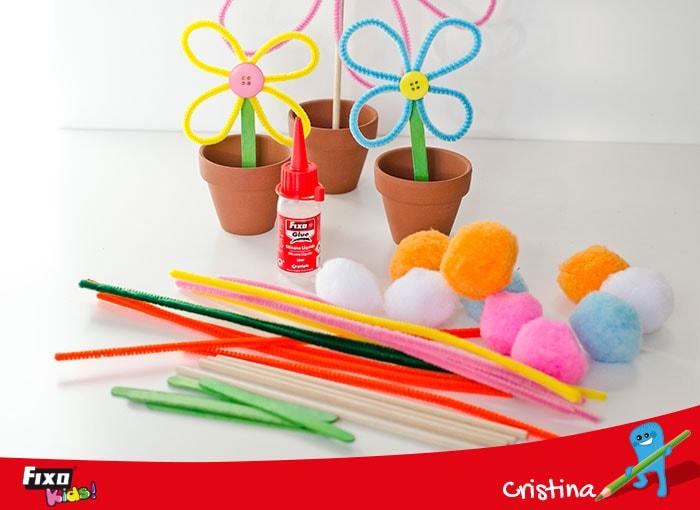 flores de manualidades con limpiapipas