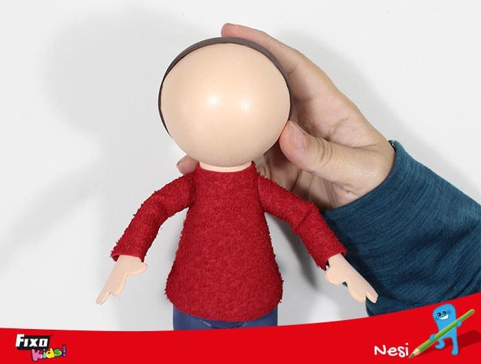 cómo unir cabeza cuerpo muñecos