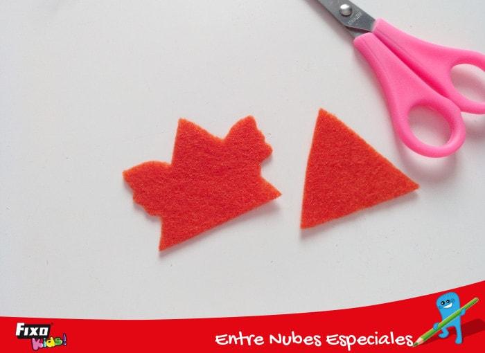 piezas para hacer una gallina triangular de fieltro