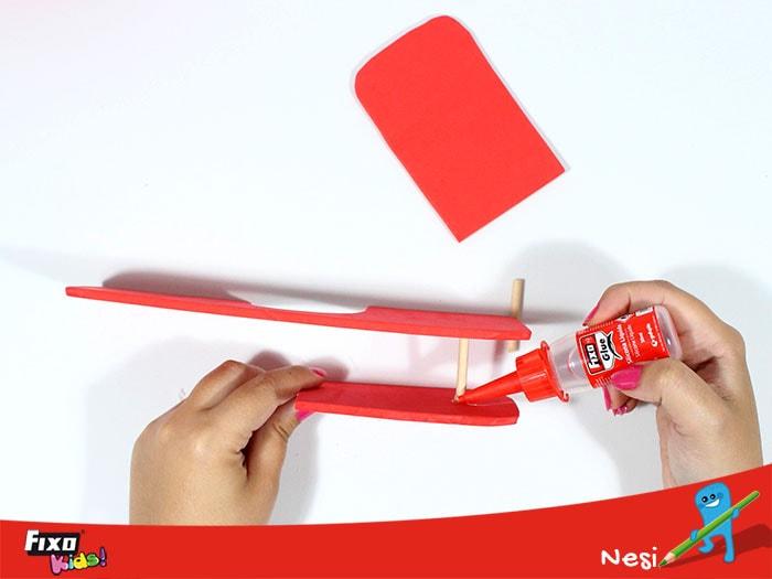 cómo hacer un avión de goma eva