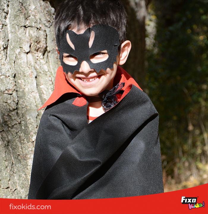 Máscara murciélago para vampiros