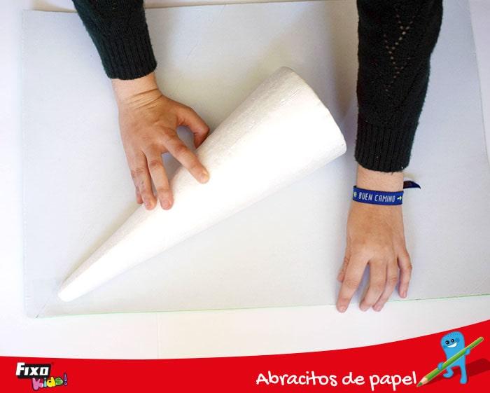 cómo forrar un cono de poliespán con goma eva adhesiva fixo