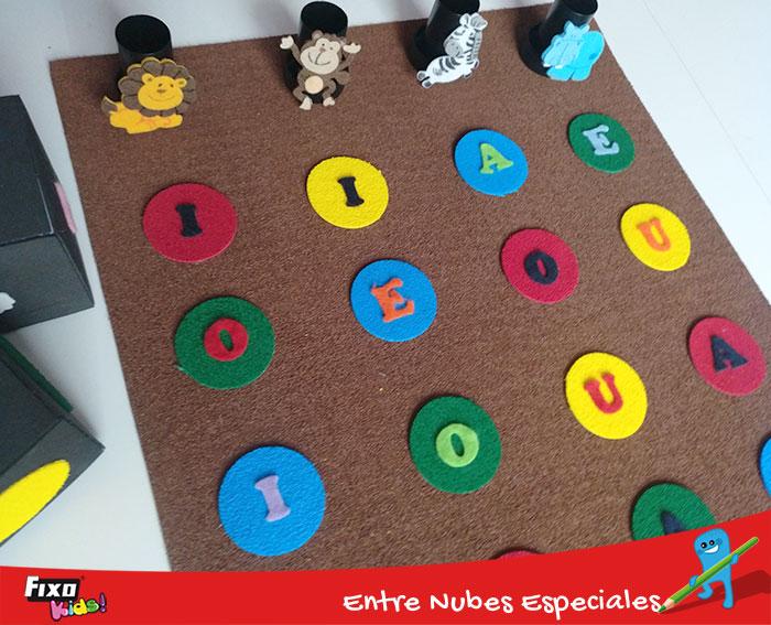 juego infantil para aprender las vocales con material fixo kids