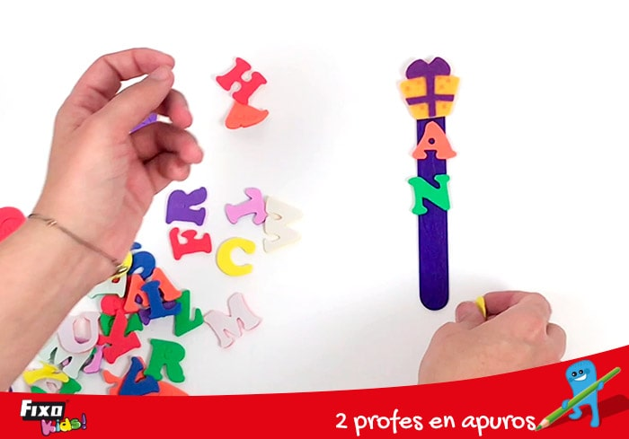 letras de fieltro fixo para decoración infantil