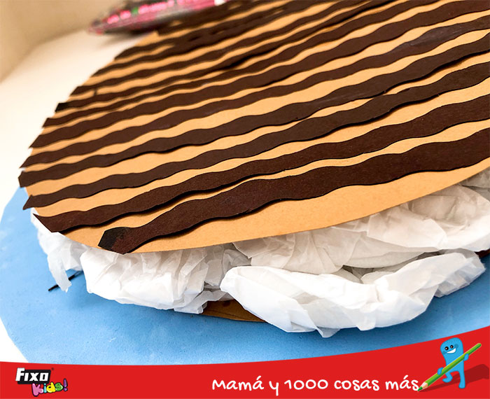 tarta de chocolate con cartulina y goma EVA