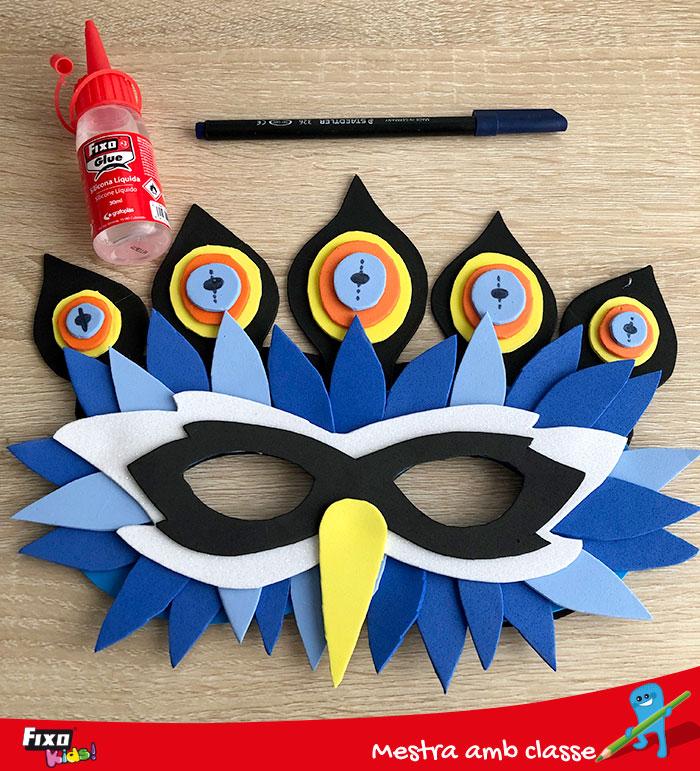 manualidad infantil carnaval con goma eva