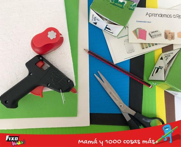 material para hacer un juego casero para aprender a reciclar