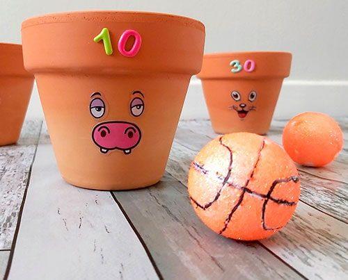 juegos infantiles encestar el balón