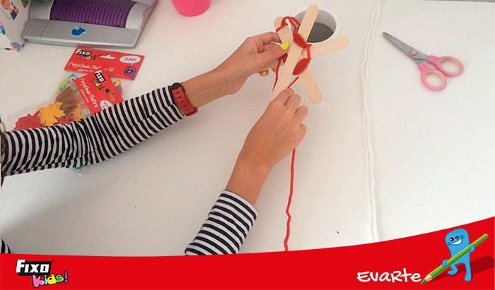 como hacer manualidades con lana de colores