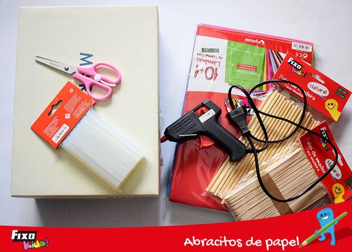 materiales para hacer un futbolin casero