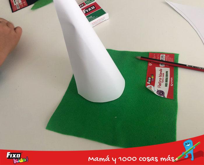 como hacer un cono con cartulinas