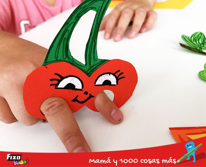 marioneta con forma de cereza