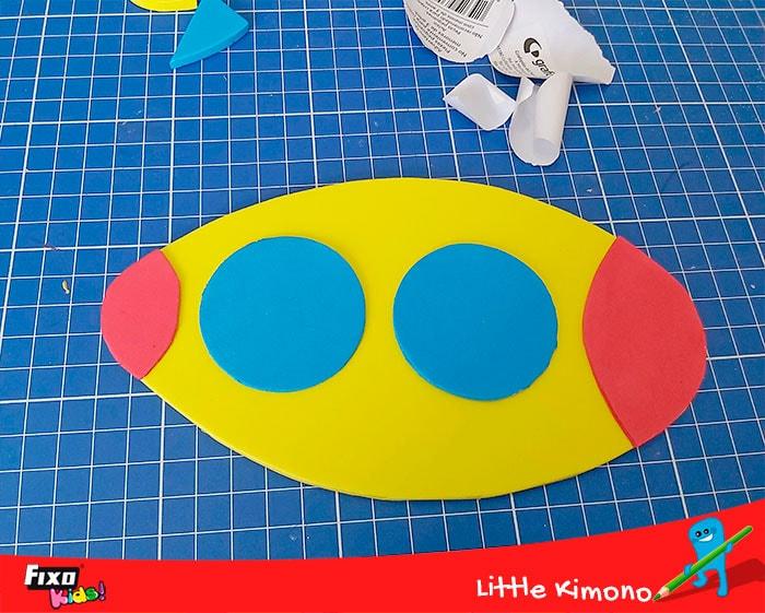 como decorar un submarino con goma eva adhesiva